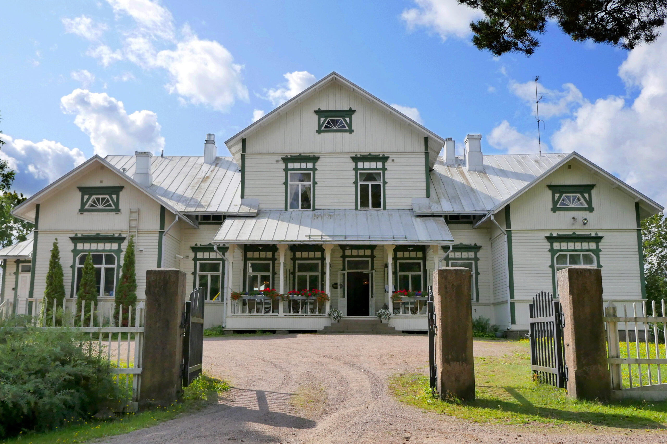 Stockfors_village_parantola_patruunan_talo